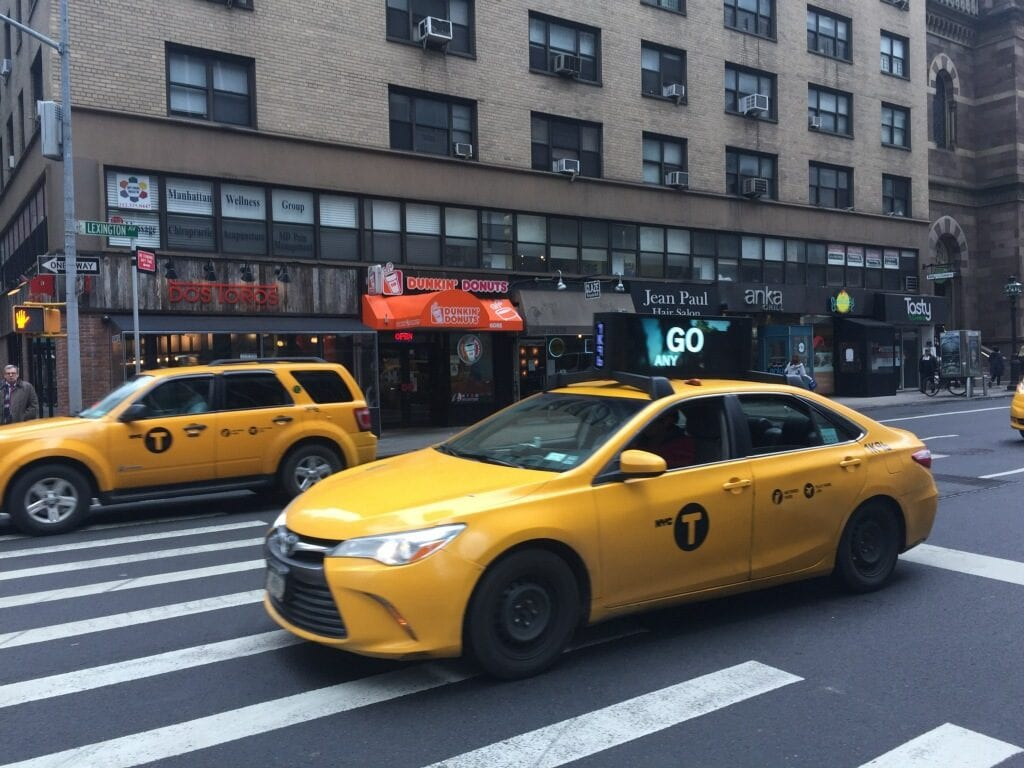 Strong and NYC deal for digital signs on taxi tops | Billboard Insider™